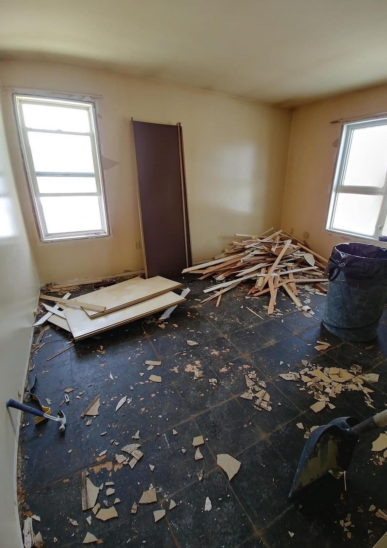 Petite pièce avant rénovation