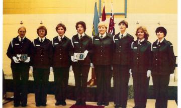 Photo des premières agentes correctionnelles de l'Ontario